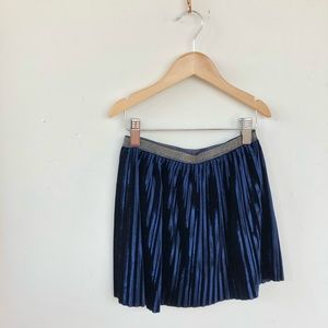 🌫LIKE NEW- Pleated Velveteen Girls' Holiday Skirt